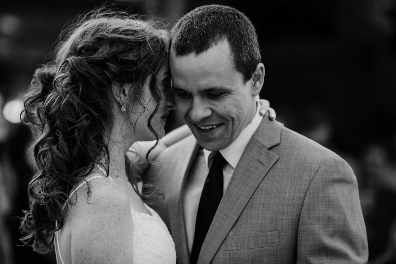 bride and groom julietta vineyard clarksburg